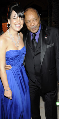 Singer Lily Allen and producer Quincy Jones  Photograph by: Getty Images/Atlantis, The Palm