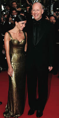 Bruce_Willis_and_Jenifer_at_Over_the_Hedge_Launch_Party_Cannes