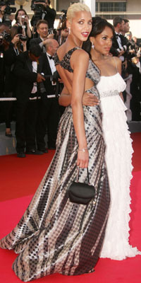 Noemie Lenoir and Kerry Washington attend the premiere for the film Ocean's Thirteen