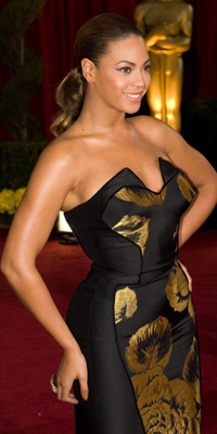 Beyonce Knowles attends the 81st Annual Academy Awards® Dress by: House of Deréon Bryan Crowe / ©A.M.P.A.S.